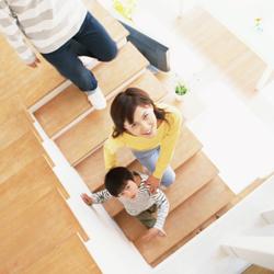 家族と階段